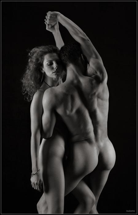 krasivie-devushki-tantsuet-erotika